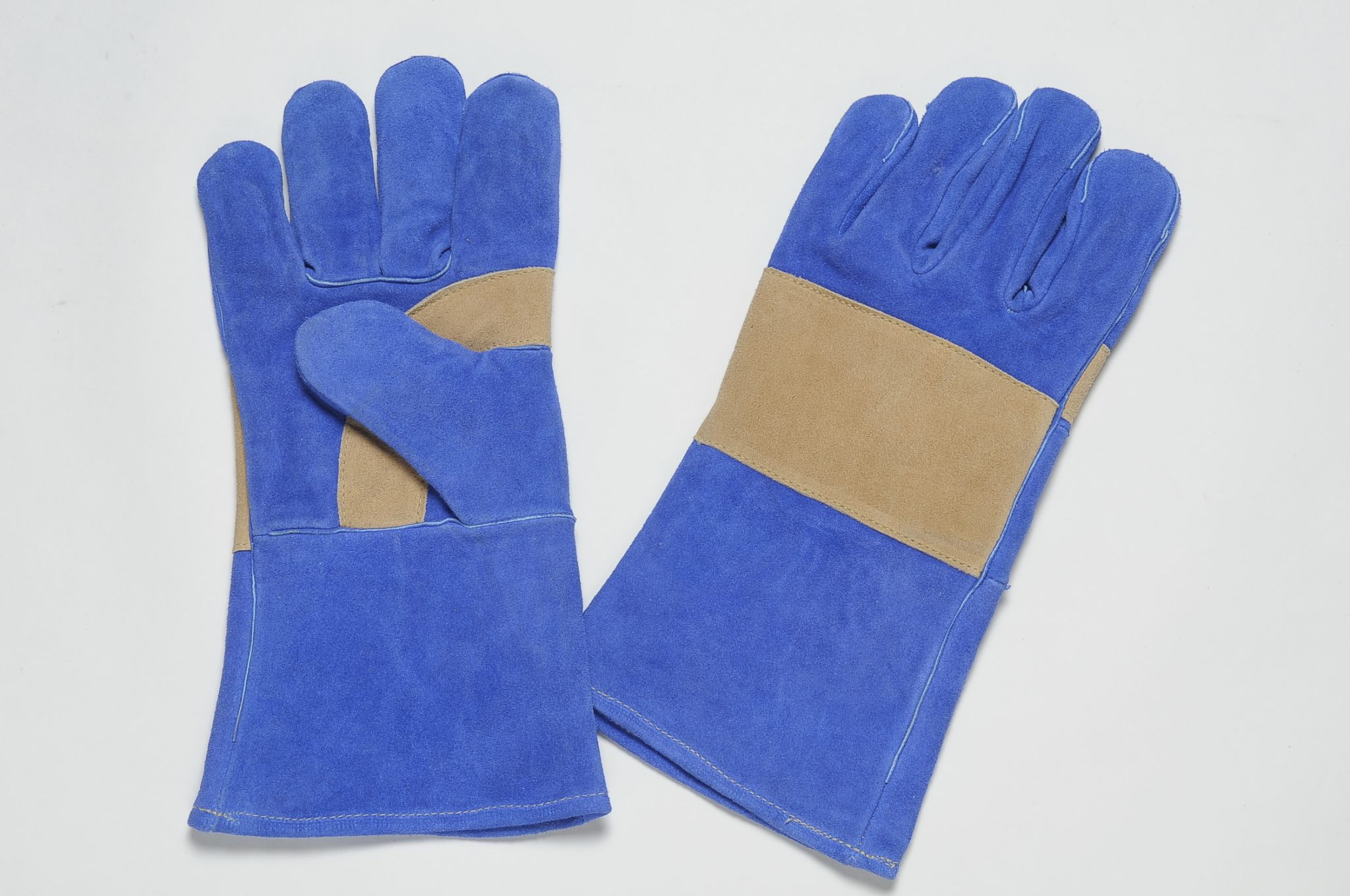 BLUE COLOUR SPLIT ALL LEATHER GLOVES, RE-INFORCEMENT ON THE PALM OF BROWN SPLIT LEATHER