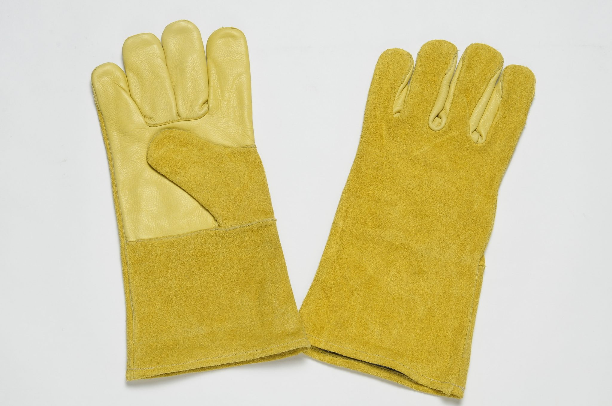YELLOW ALL LEATHER GLOVES. PALM OF YELLOW GRAIN LEATHER, BACK & CUFF OF YELLOW SPLIT LEATHER.