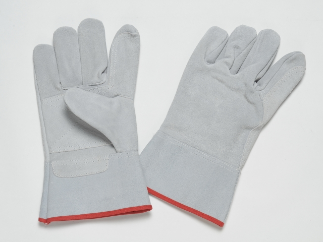 ALL LEATHER SPLIT GLOVES WITH REINFORCEMENT AT THE PALM AND FOREFINGERS, 70MM CUFF