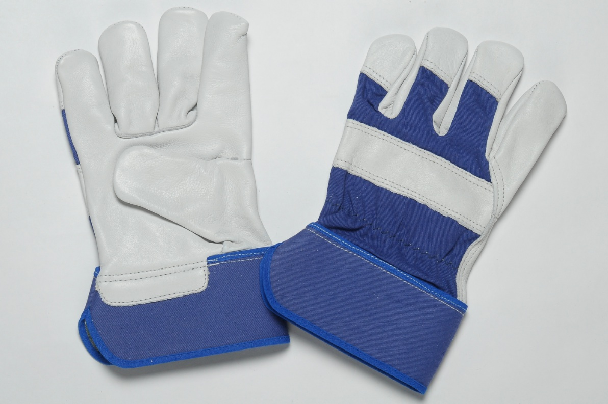 NATURAL GRAIN GLOVES. FLANNEL LINER IN THE PALM. BLUE CUFF & BACK. ADJUSTABLE ELASTIC IN THE WRIST.