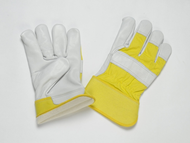 NATURAL GRAIN GLOVES. FULL FLANNEL LINING . YELLOW CUFF & BACK. ADJUSTIBLE ELASTIC IN THE WRIST.