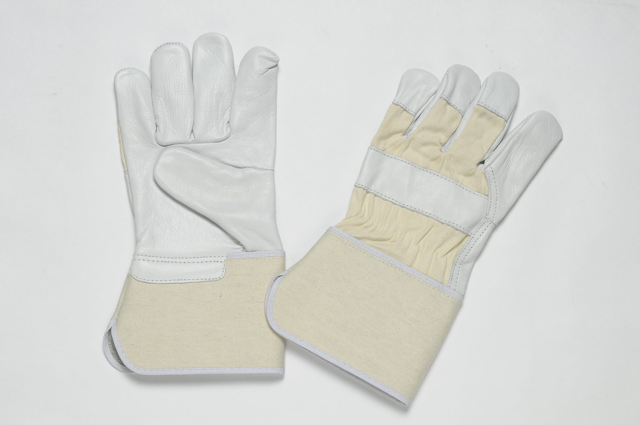 NATURAL GRAIN GLOVES, FLANNEL LINER IN THE PALM, CUFF OF SPLIT, REINFORCEMENT IN PALM & FOREFINGER.