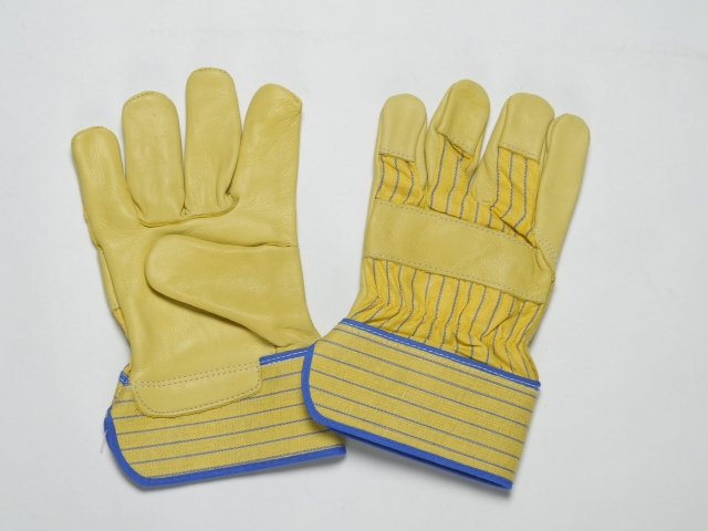 YELLOW GRAIN GLOVES. FLANNEL LINER IN THE PALM. YELLOW BLUE CUFF & BACK. ADJUSTIBLE ELASTIC IN THE WRIST