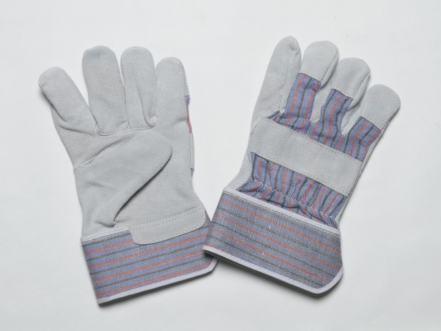 NATURAL CHEAP SPLIT GLOVES, ADJUSTIBLE ELASTIC IN THE WRIST