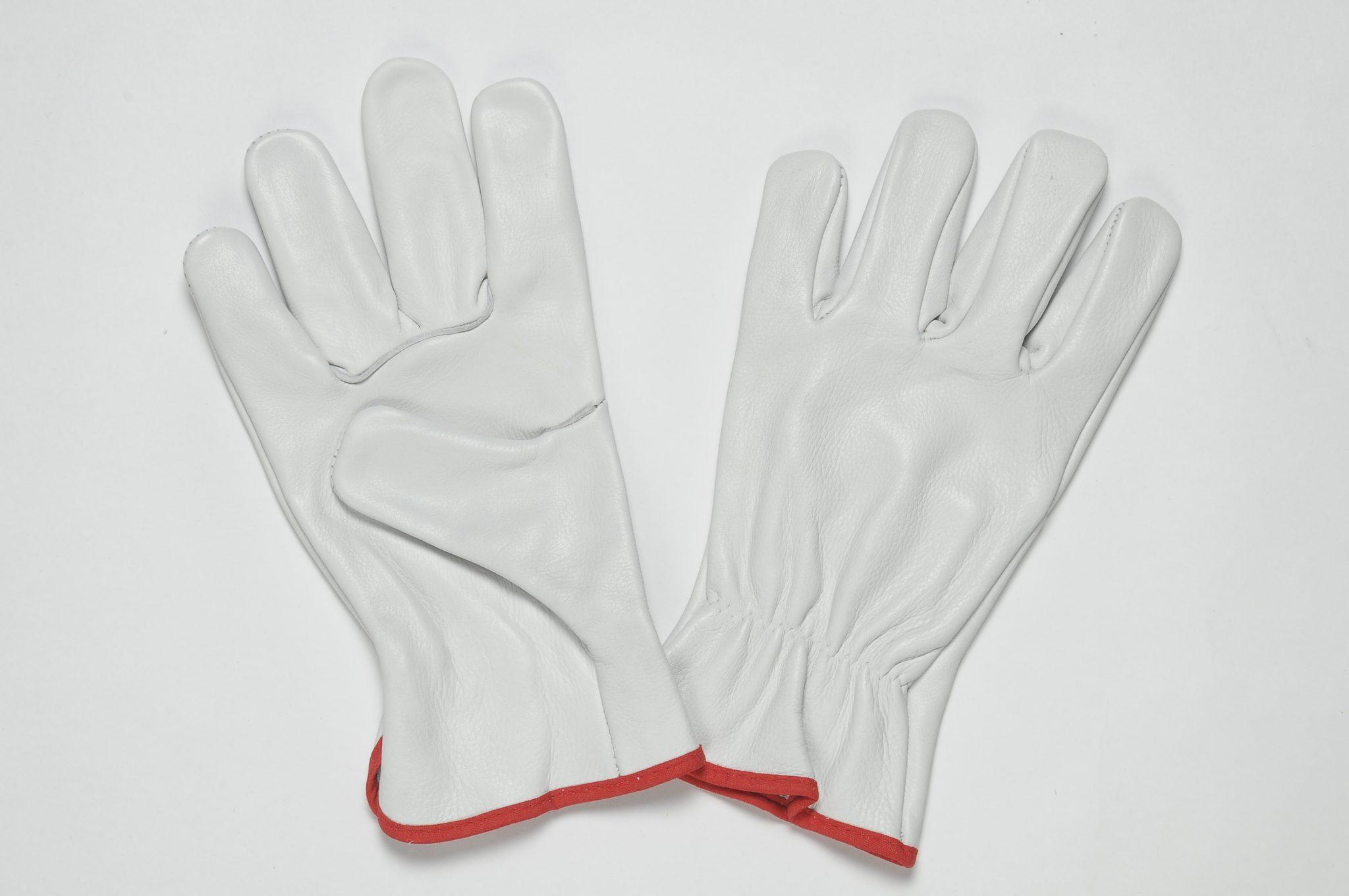Natural Grain Gloves. Adjustable Elastic in the wrist, coloured binding.
